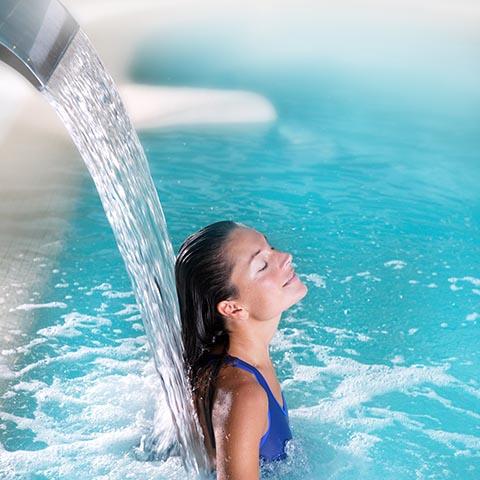 MIDAS Pool Products – Schwallwasserduschen zum Wohlfühlen